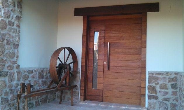 Puerta exterior casa rural lleida puerta de acceso - Puertas de casa exterior ...