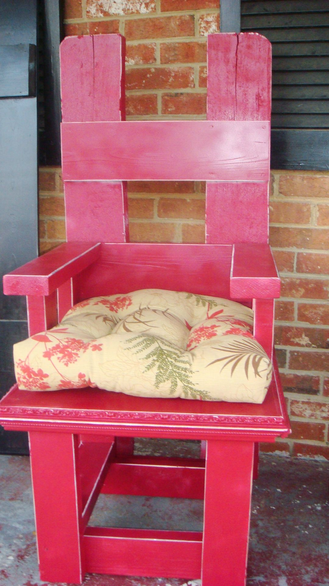 Chair I Made From A Pallet 2x4s And An Old Frame Wood Pallets Diy Projects Old Frames