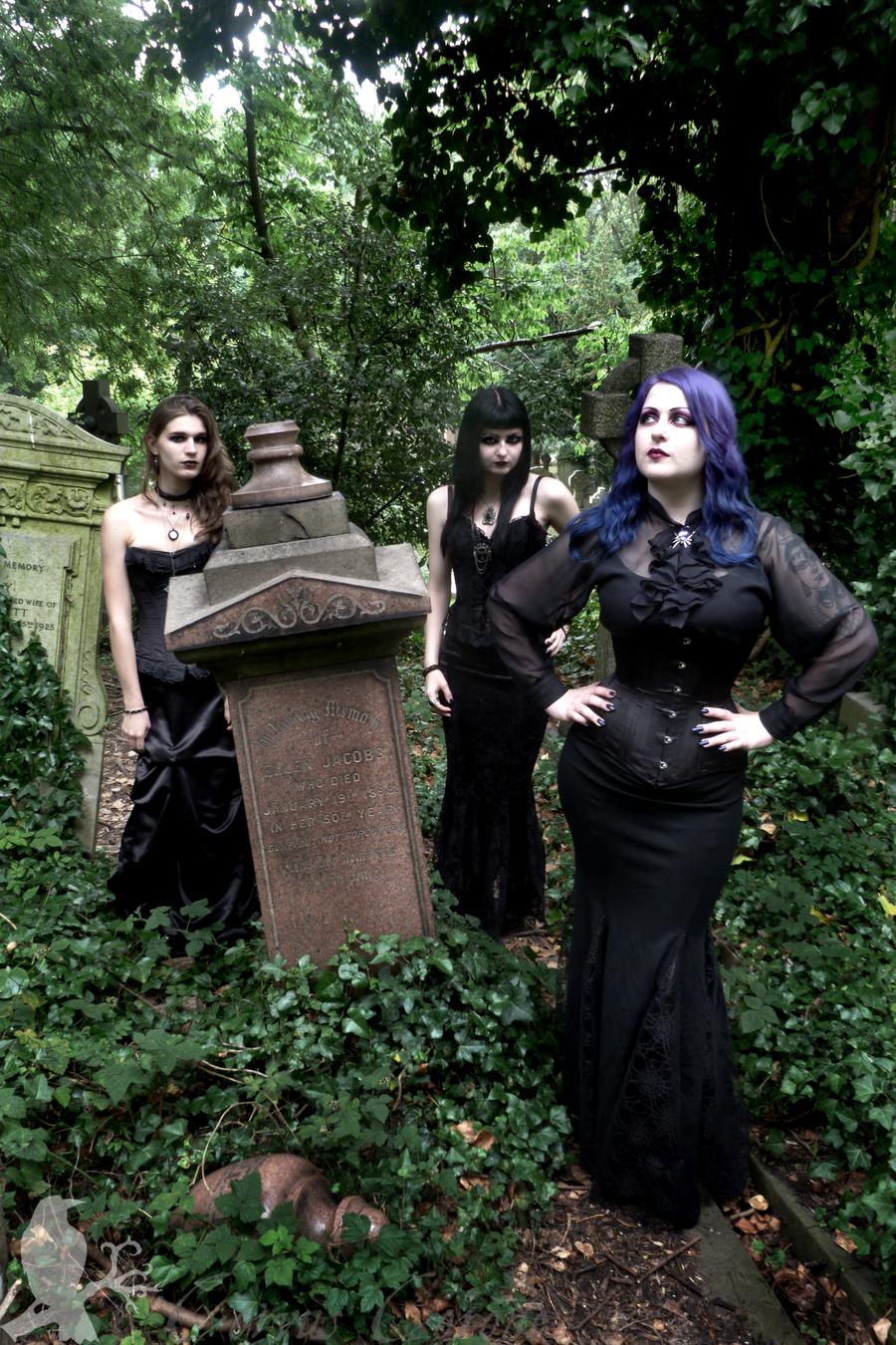 Goth Models in Cemetery   Highgate by Demonic-NiK
