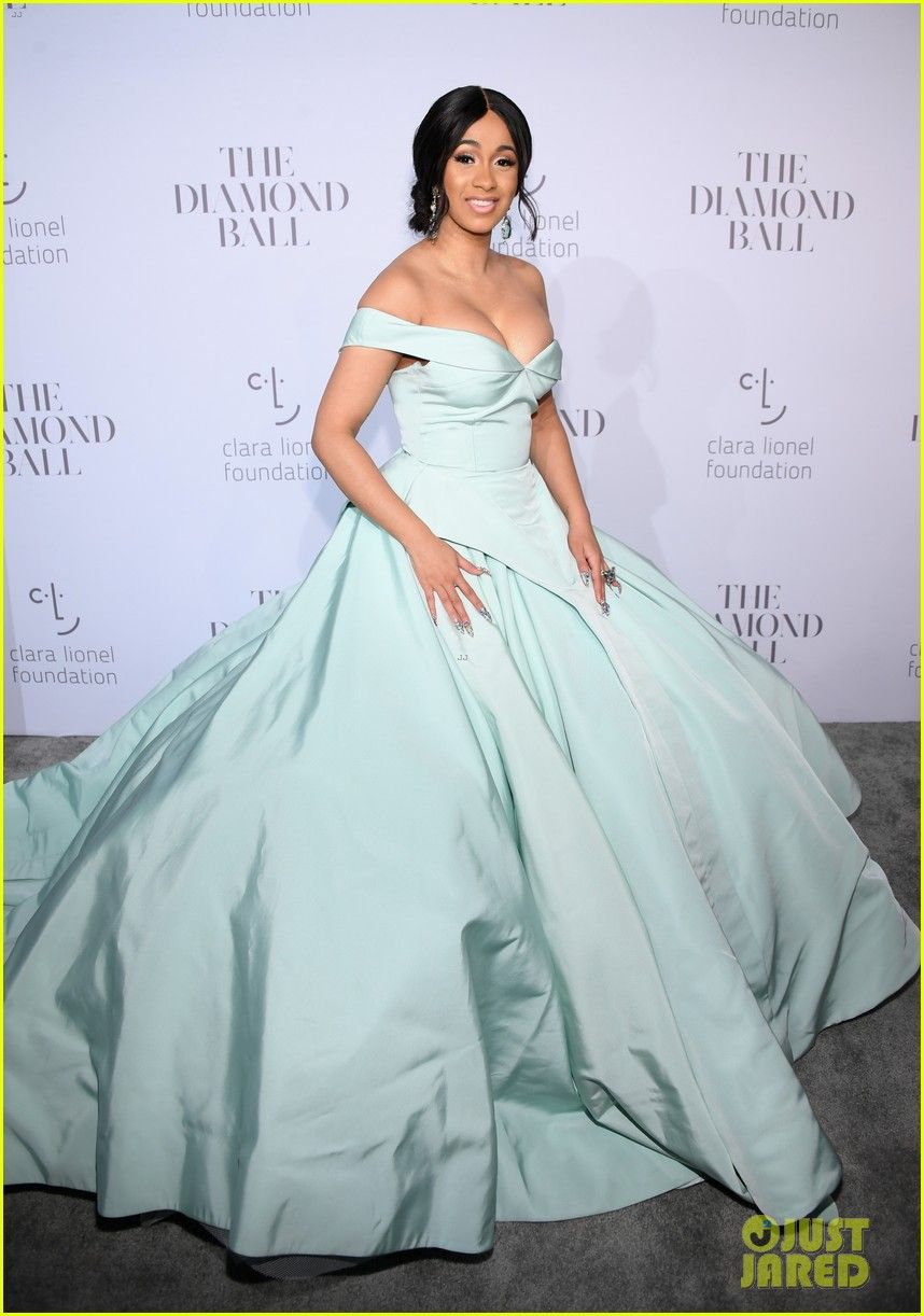 Cardi b has a cinderella moment at rihannaus diamond ball