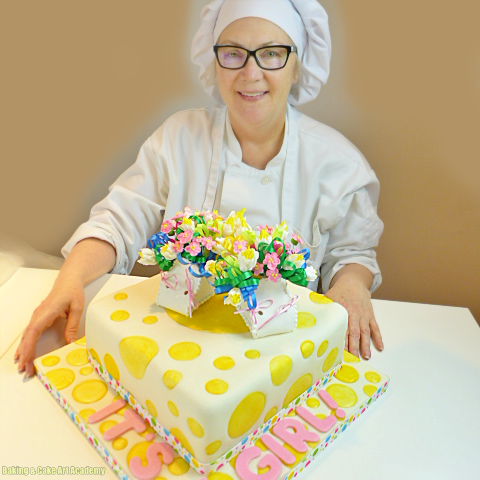 Advanced Cake Decorating Student With Finished Project Baking Cakes Decoration Cake Baking Classes
