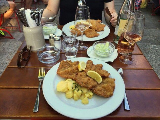 Overheerlijke schnitzels bij Pratergarten in Berlijn! <3