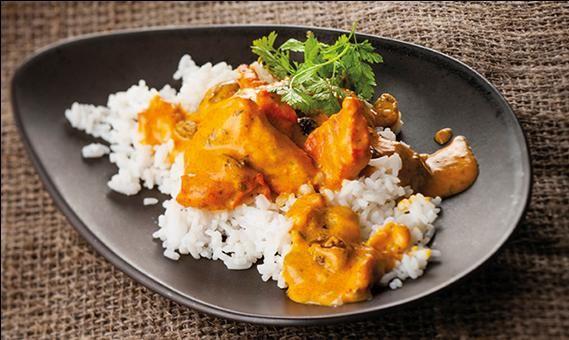L'Envoutant : poulet cuisiné, sauce au yaourt et aux épices tikka massala, riz basmati