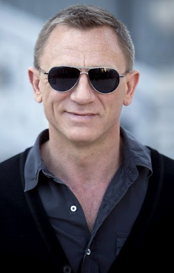 1f213ec36571b Daniel Craig (James Bond) wears Tom Ford Marko Sunglasses