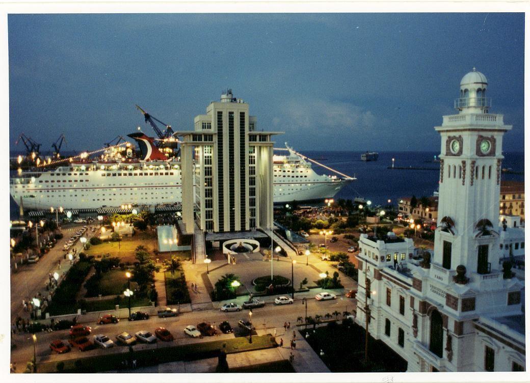 Puerto de Veracruz, Históricamente esta ciudad y puerto ...