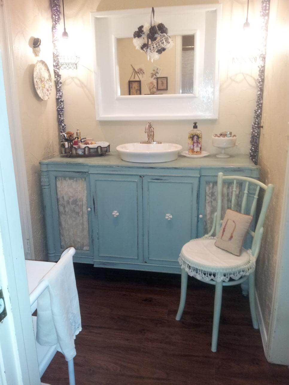 28 Ways To Give Your Bathroom A Shabby Chic Vibe Shabby Chic Bathroom Decor Chic Bathroom Decor Shabby Chic Bathroom Vanity