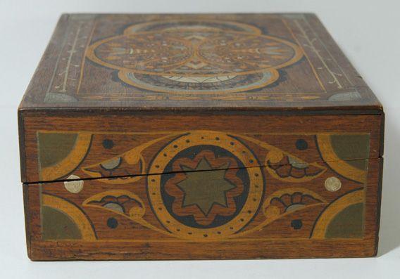 Antique Americana. Folk Art Paint Decorated Box To