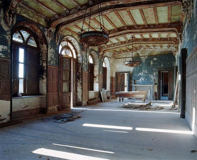 This place was awesome at one time! Is that a pool table?? (Photography by Thomas Jorion   urban decay)