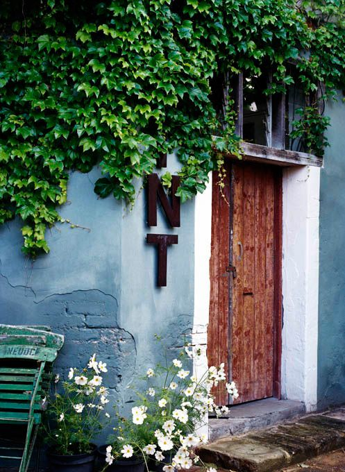 Marvelous Rough Timber Door In Lime Washed Concrete Render. Bauwerk Colour | Outside  Lime Paint