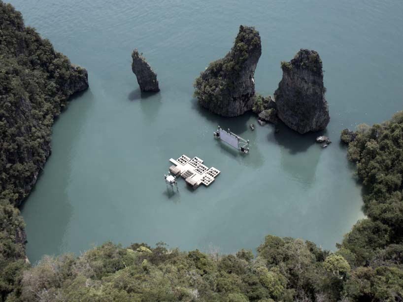 Ever catch a movie when you're on vacation? How about this one??? OMG - A Floating Cinema.
