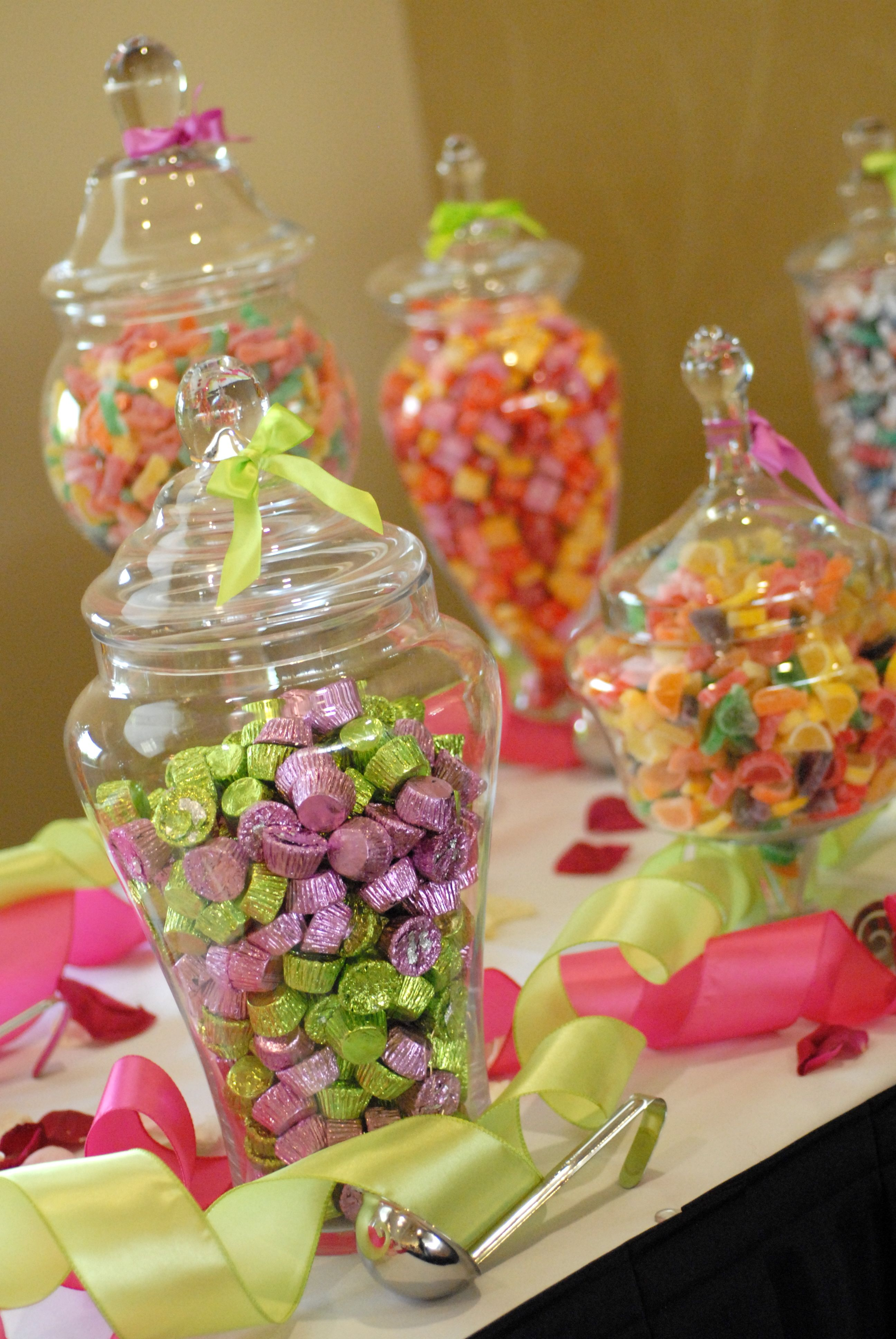 Sweet amp sparkly wedding candy buffet pictures to pin on pinterest - Candy Buffet