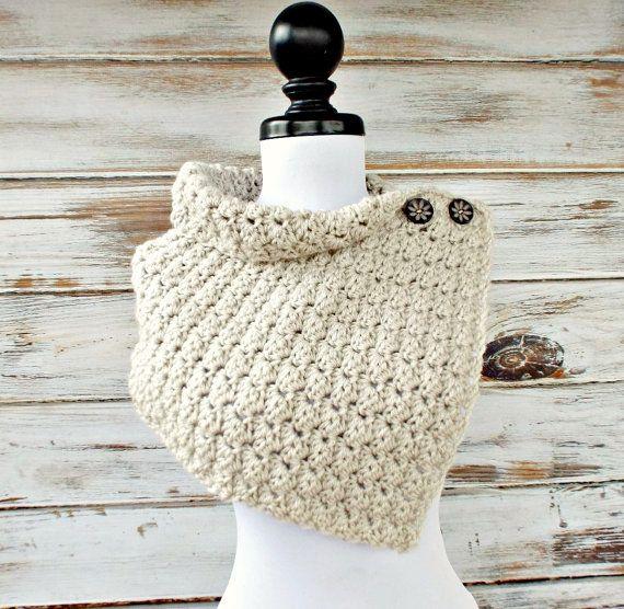 Crochet Cowl Eloise Cowl Crochet Capelet in Cream por pixiebell ...