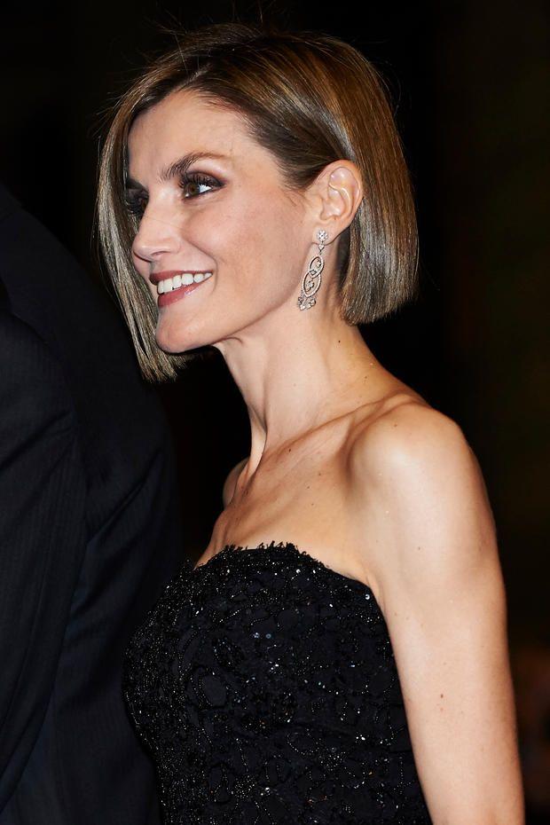 Königin Letizia Hat Einen Komplett Neuen Look Hair Pinterest