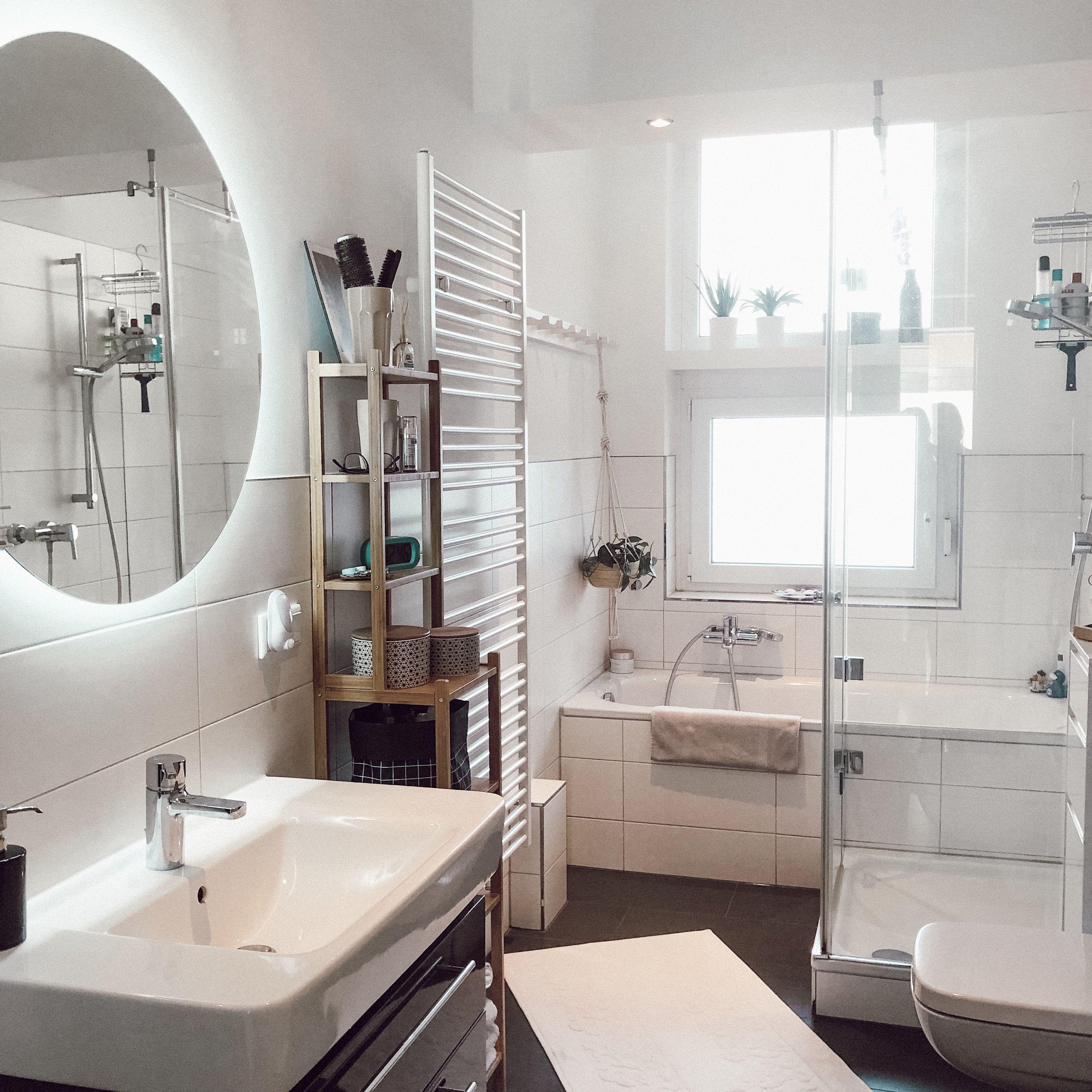 Badezimmer Runder Spiegel Dusche Badewanne Altbau Bathroom Mirror Bathroom Design Bathroom