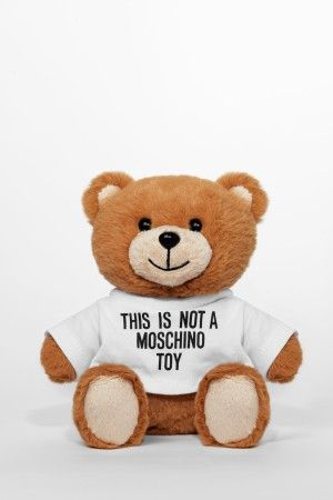 Unser neuer Lieblingsteddy. Äh, Duft. #moschino #jeremyscottmalwieder