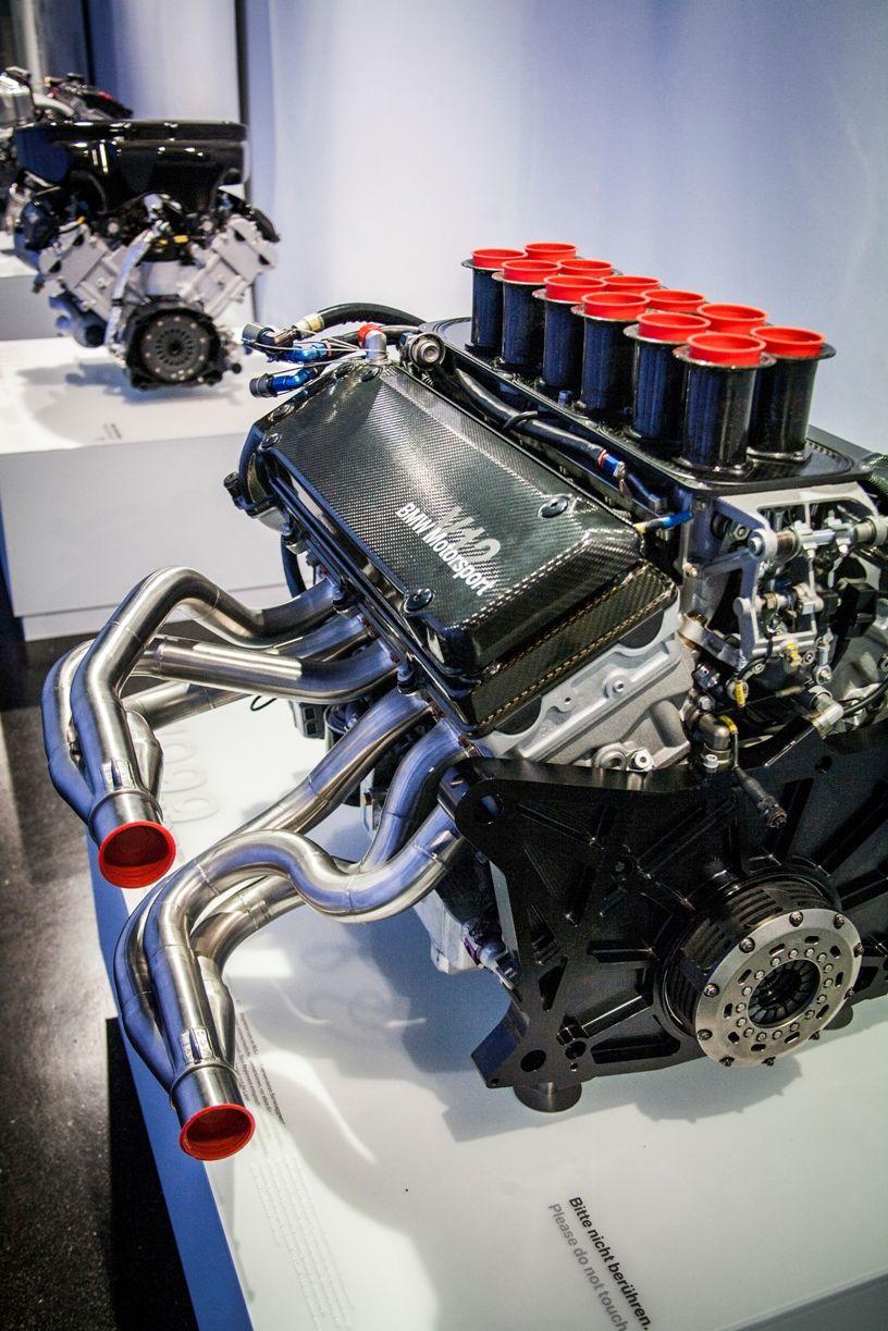 BMW engine BMW Museum, München, Germany   Mechanic   Bmw engines