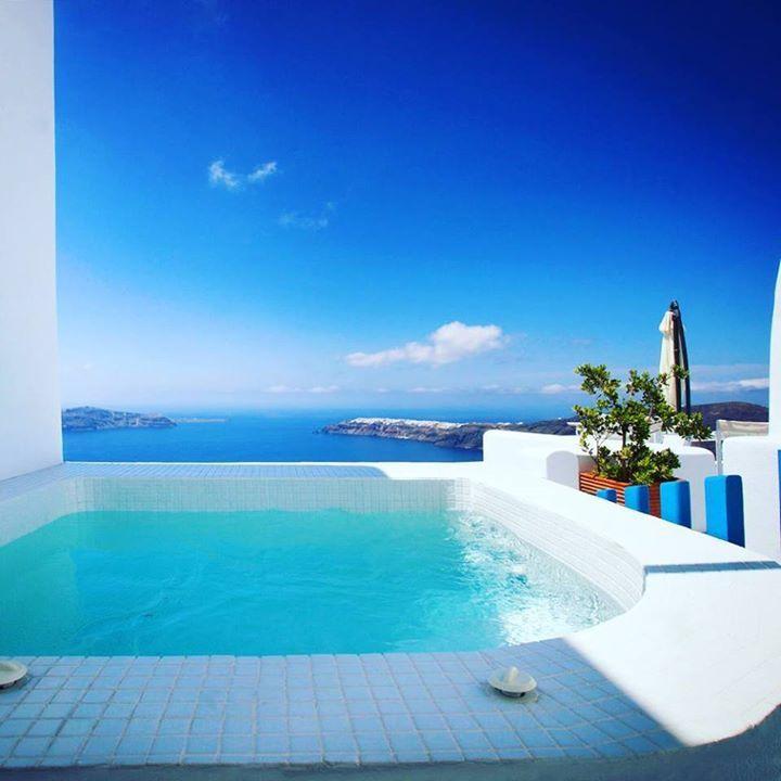 Good Morning from #abyssantossuites !!!! Book your #honeymoon #suite now!  www.bookingsantorini.com ----------------------------------------------- #travel #traveller #blue #white #privatejacuzzi  #volcanoview #apolausivilla #villa #nature #naturelovers #sky #santorini #greece #visitgreece  #greek #island #travelgram #holidays #paradise