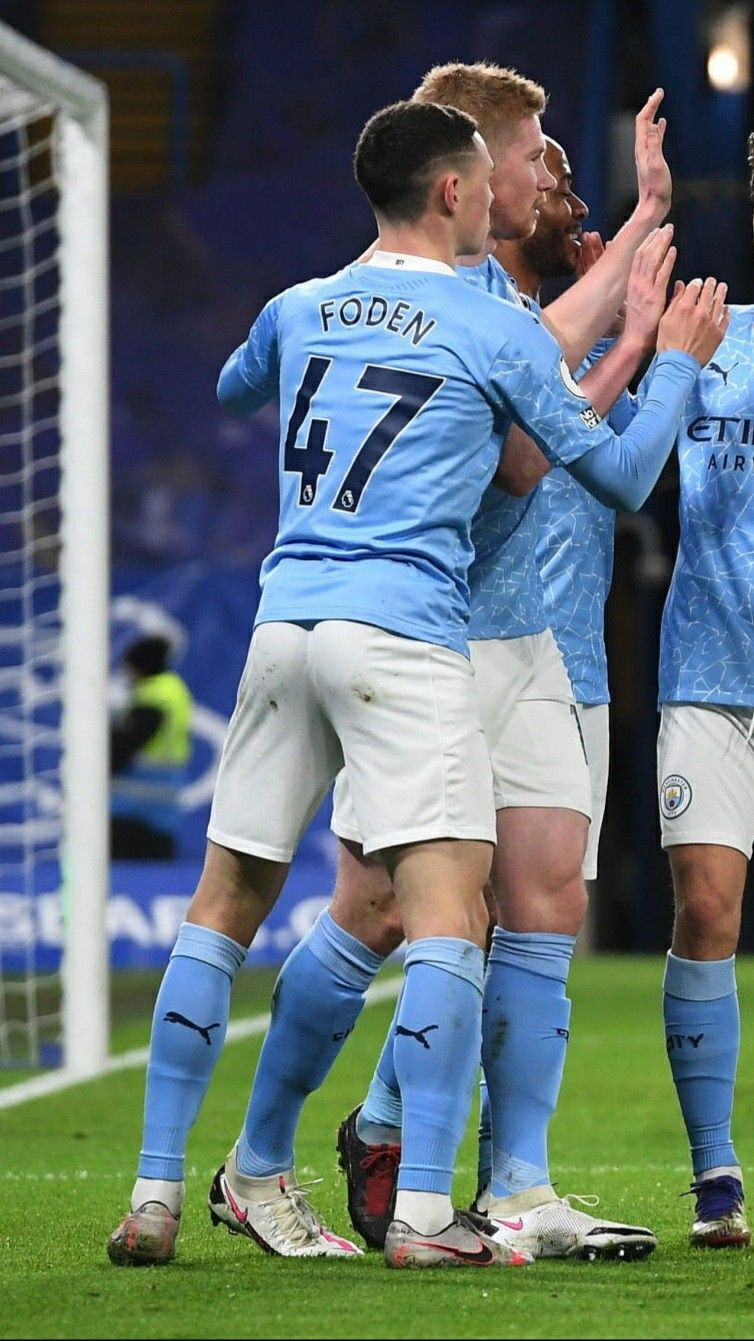 Phil Foden (Manchester City) [3] in 2021 | Soccer guys, Hot rugby players,  Men in uniform