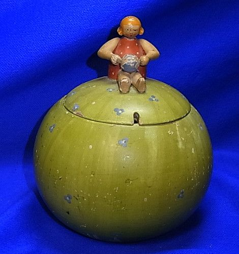 Vintage German Erzgebirge Wood Wool Dispenser