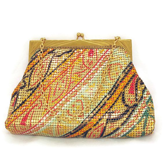 Whiting and Davis Mesh Purse or Art Deco Bag. Vintage Art Deco Handbag wiith Enamel Detail