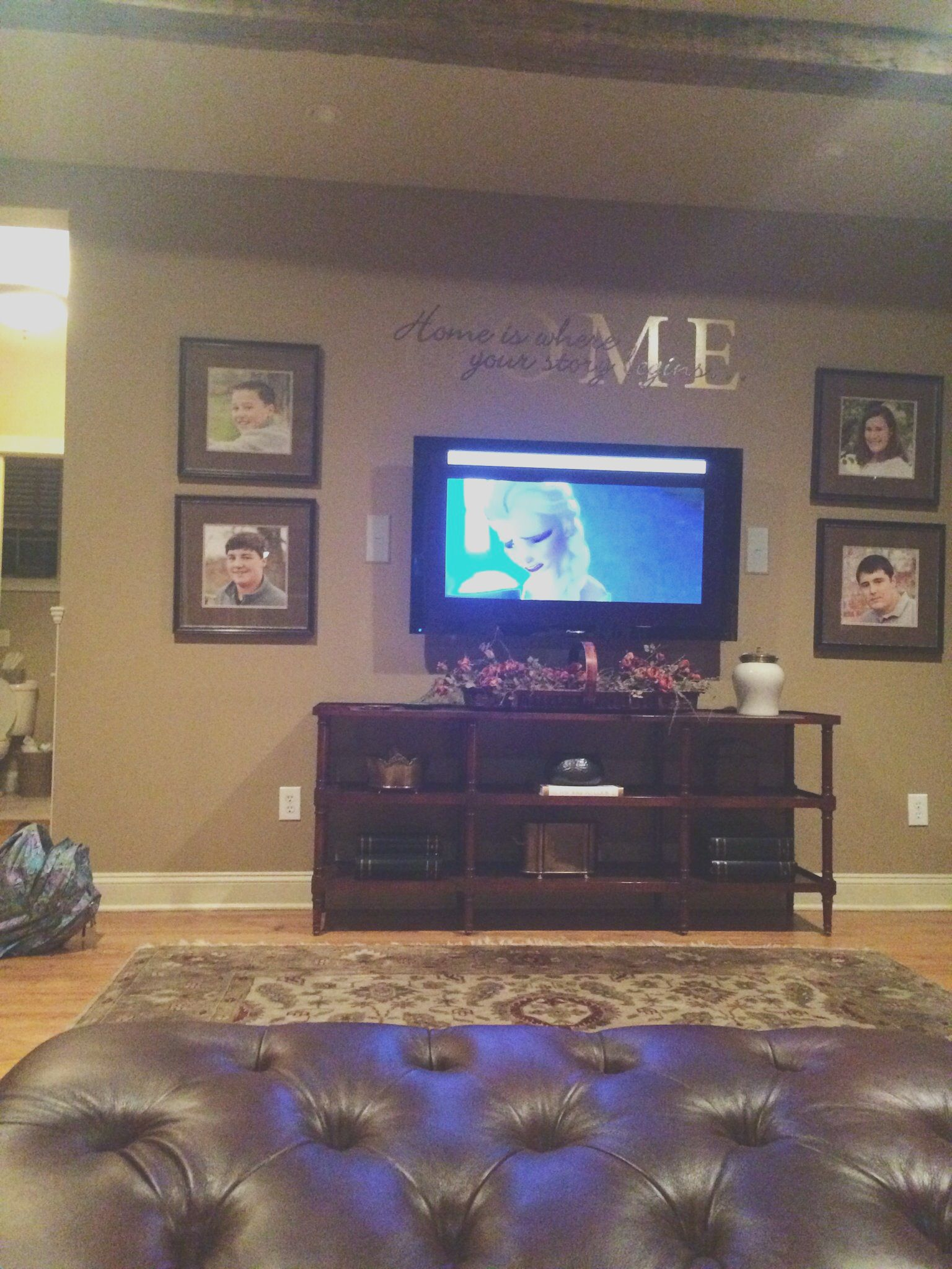 42 Wall Decor Living Room Around Tv Placement Ideas In