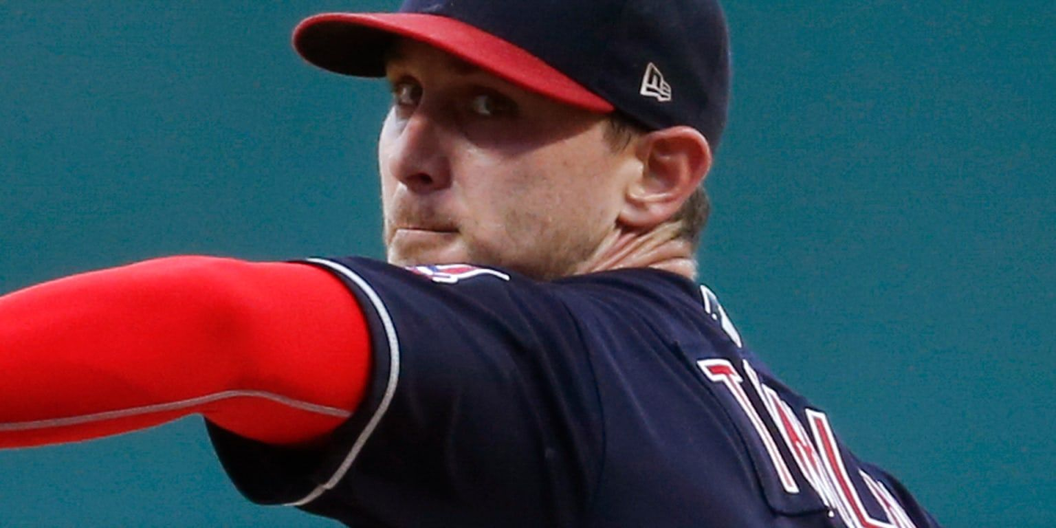 Braves Sign Sp Josh Tomlin Lake Buena Vista Fla Hesitant About Using One Of Their Top Pitching Prospects As A Long Relieve Braves Atlanta Braves League