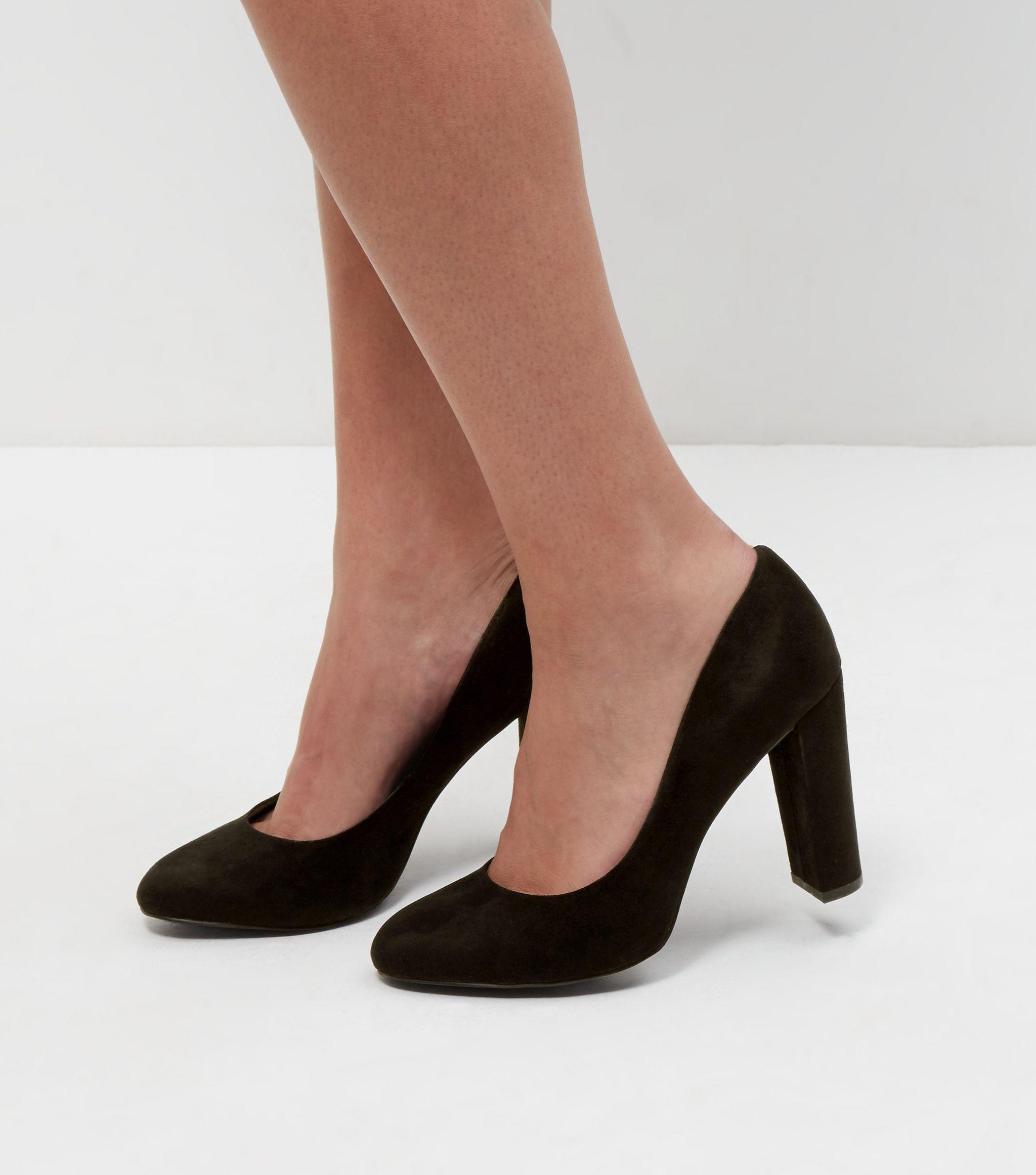 88f21ee1f26 Wide Fit - Chaussures noires à talons block en suédine