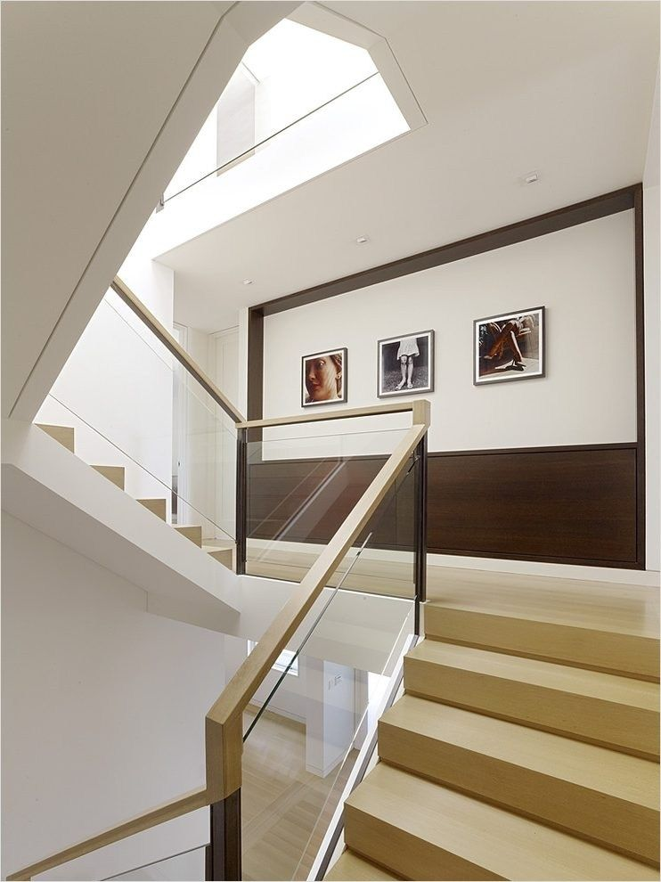 30+ Unique Staircase Wall Decorating Ideas   Cầu thang ... on Creative Staircase Wall Decorating Ideas  id=88111
