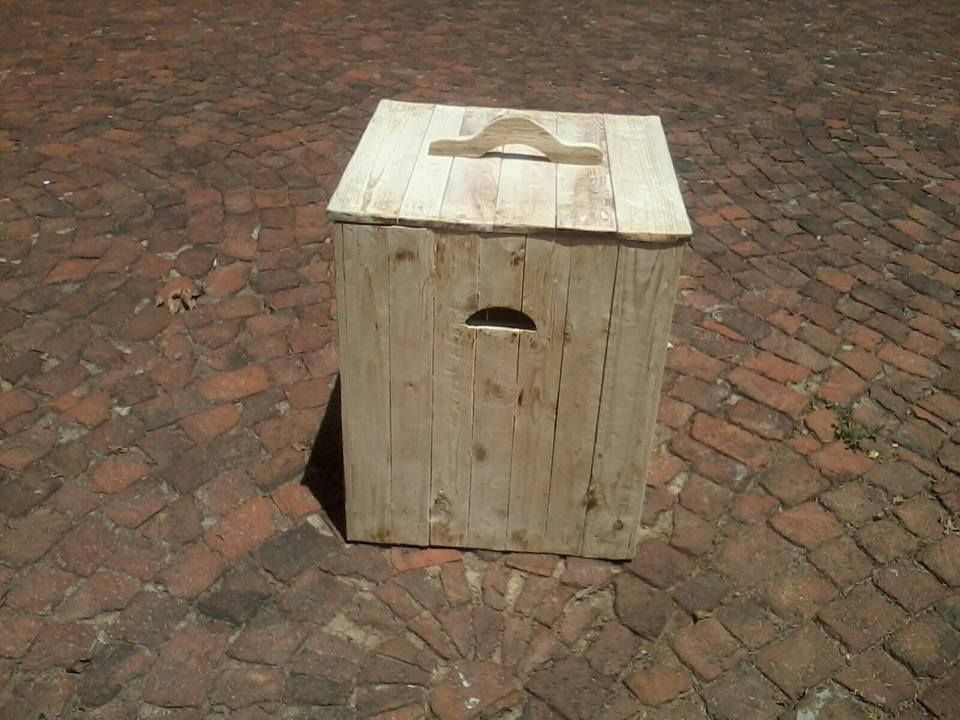 Laundry Basket from Pallet Wood   Wood pallets, Bird house ...
