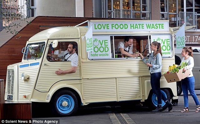 Food Truck Hands Out Free Smoothies Made From Leftovers Food Truck Food Truck Design Citroen Type H