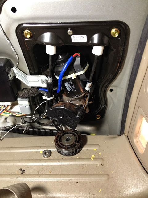 How To Replace The Power Sliding Door Cables On A 2004 2007 Toyota Sienna Xle John Fixes Stuff Toyota Sienna Sliding Doors Toyota
