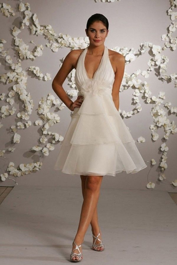 Short Wedding Dresses For Second Marriages With Halter Neckline And Tulle Fabric