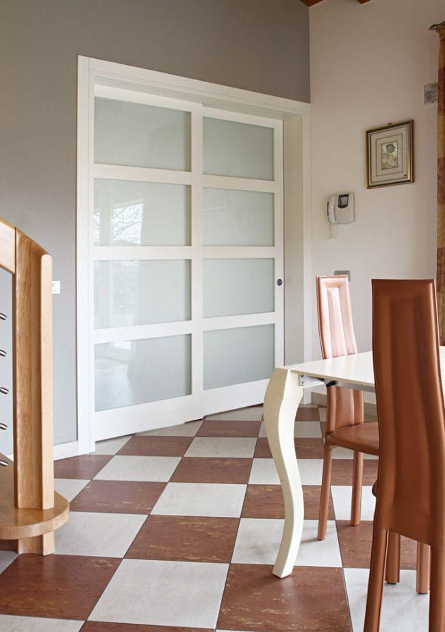 Parete divisoria su misura in legno e vetro completa di porta ...