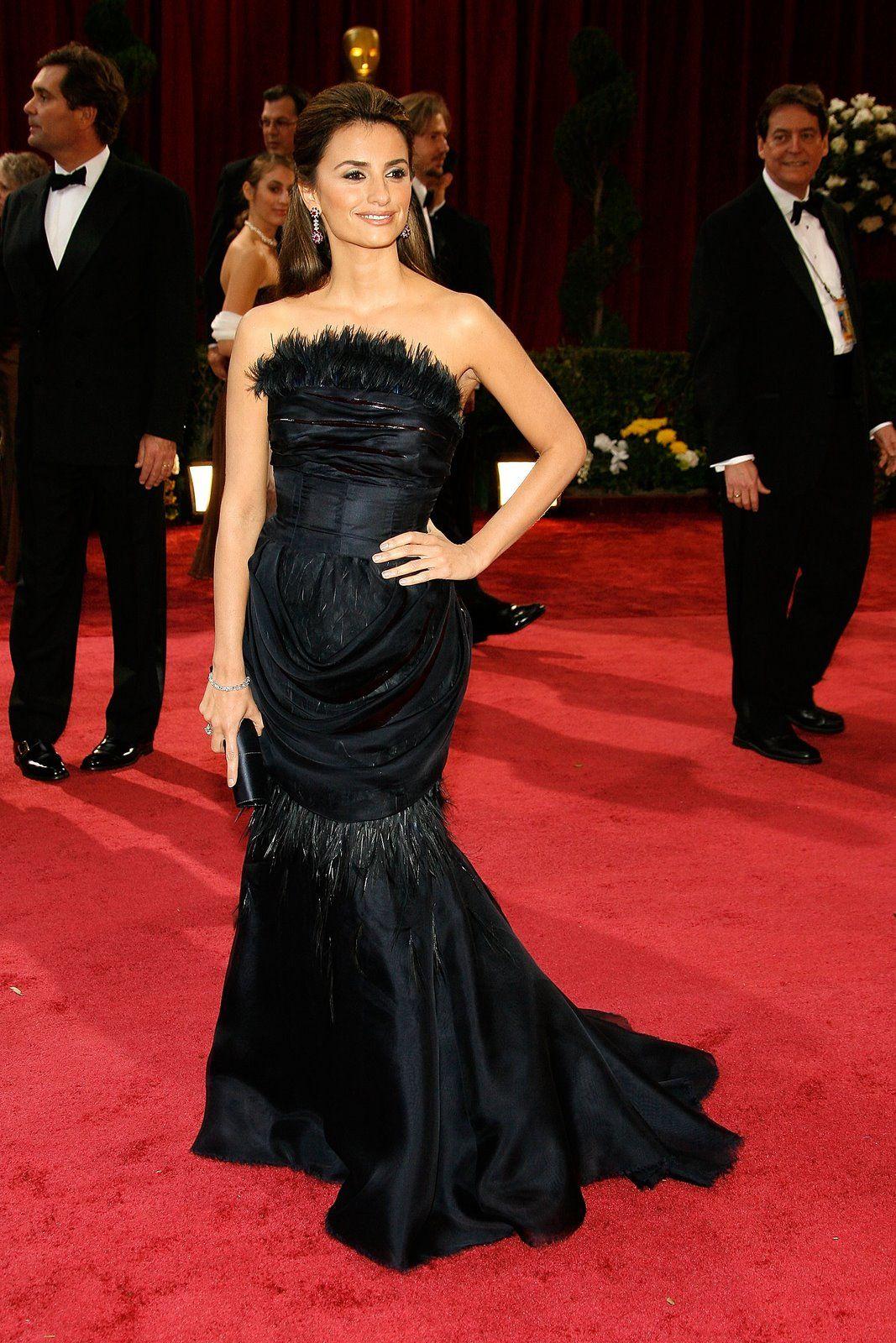 Penelope Cruz in Chanel (2008)
