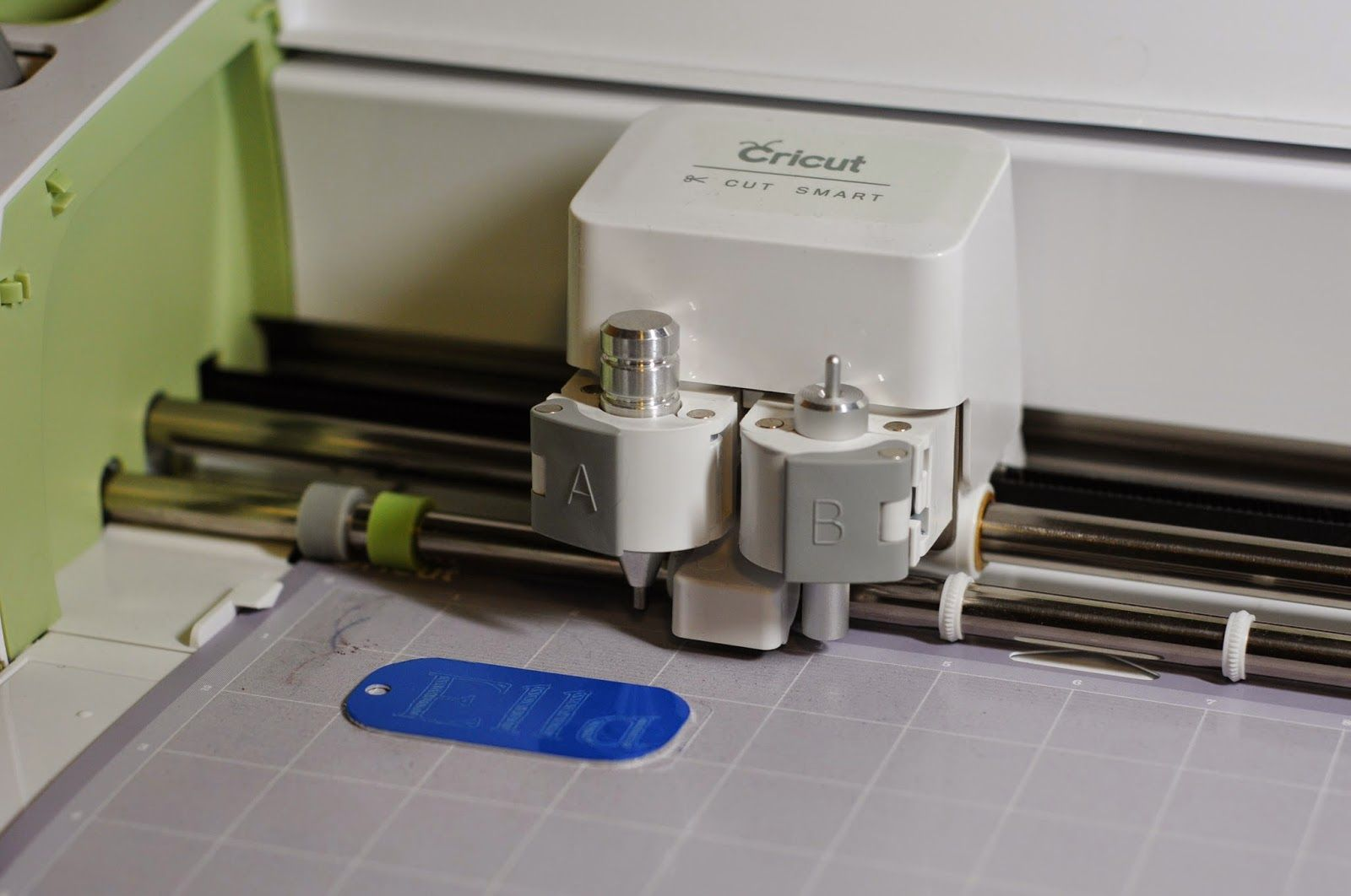 how to engrave metal with cricut maker