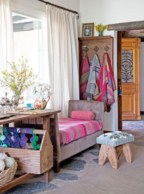 Tres casas con estilo campo comedor living home decor for Cortinas para living comedor rustico