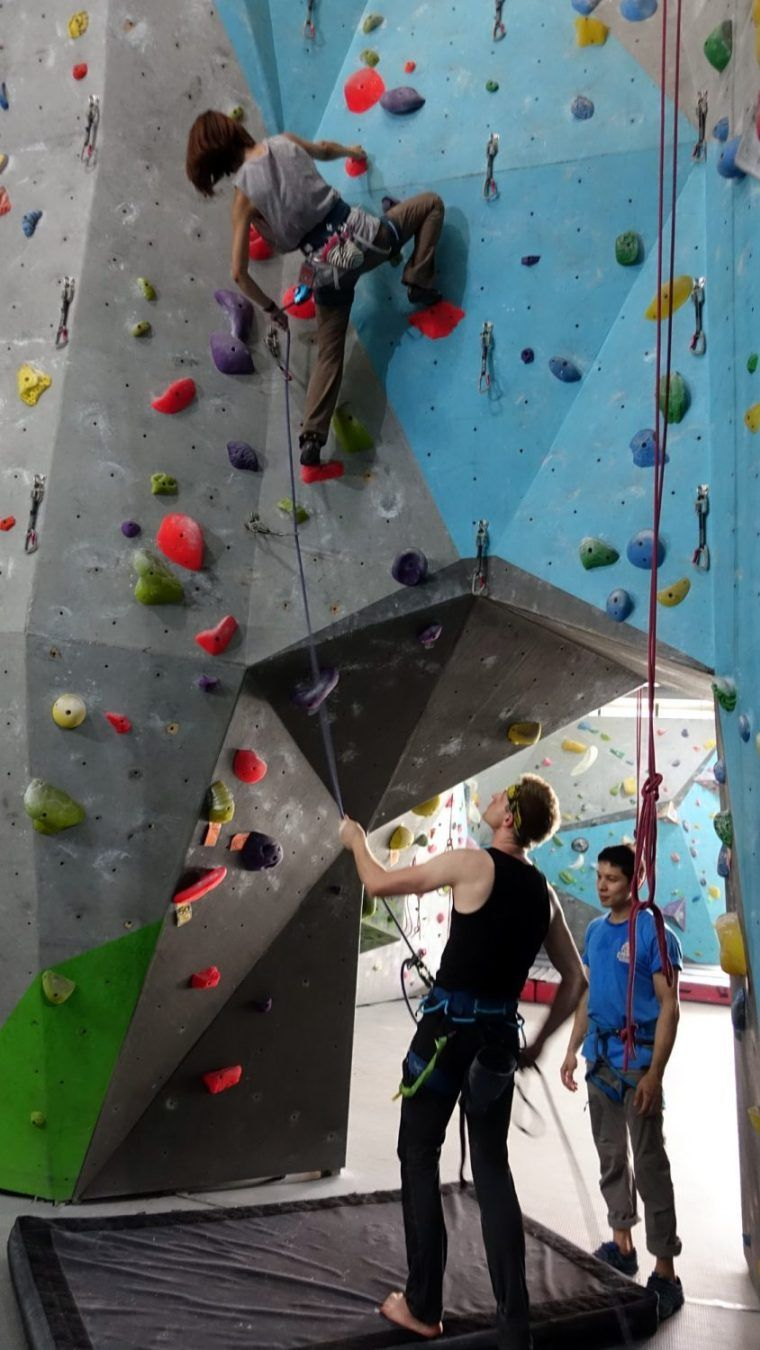 Why Take A Lead Climb Course My Experience At Rock Domain Climbing Gym Bangkok Etramping Travel Blog Lead Climbing Rock Climbing Wall Climbing Gym