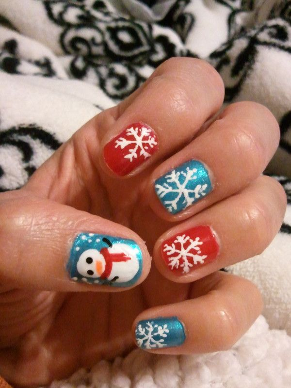 Blue And Red Snow Flakes Christmas Nail Art Christmas Nails Christmas Nail Art Designs Holiday Nails Glitter