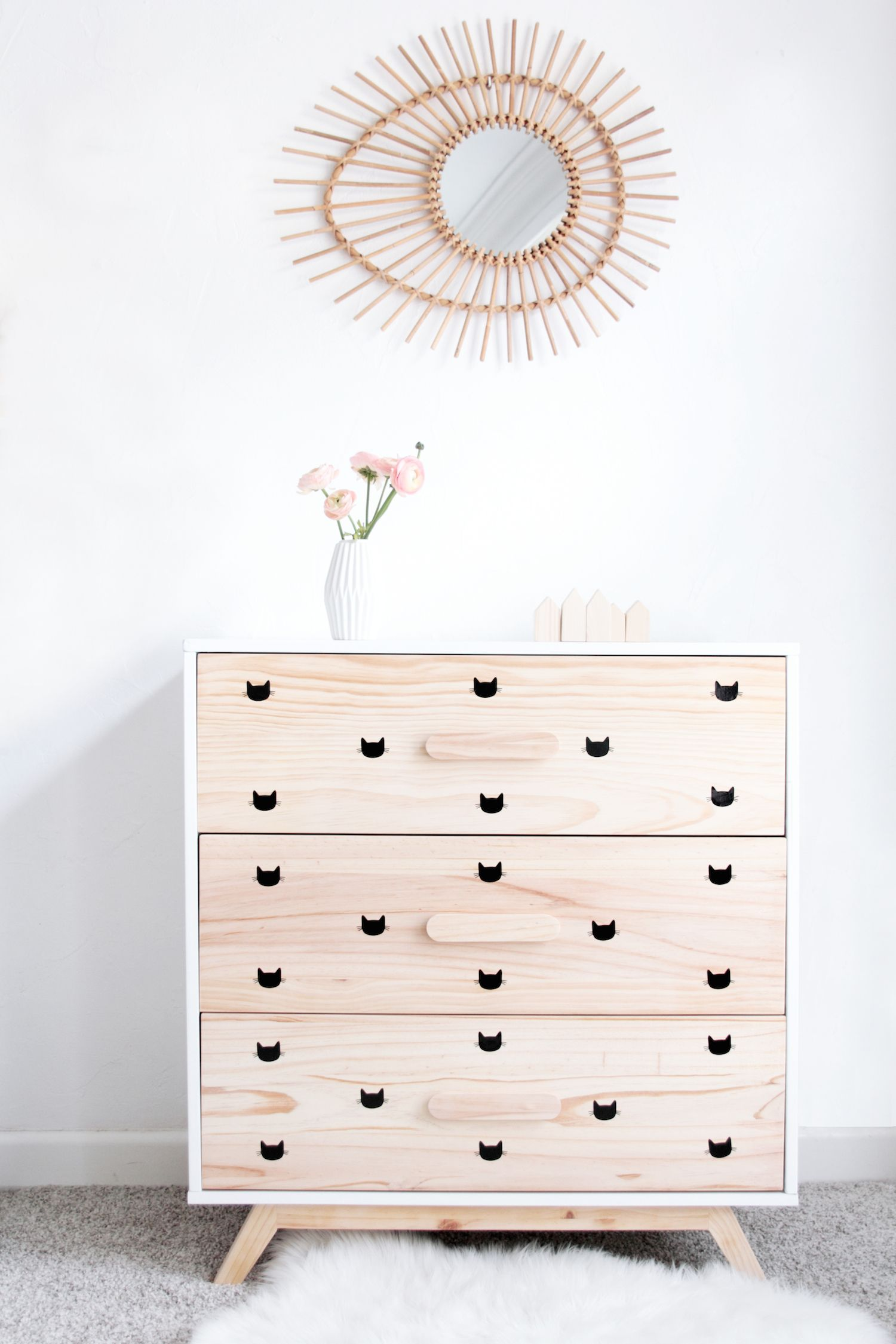 armoire enfant stickers chat miroir rotin 2 h o m e pinterest commode enfant enfant et. Black Bedroom Furniture Sets. Home Design Ideas