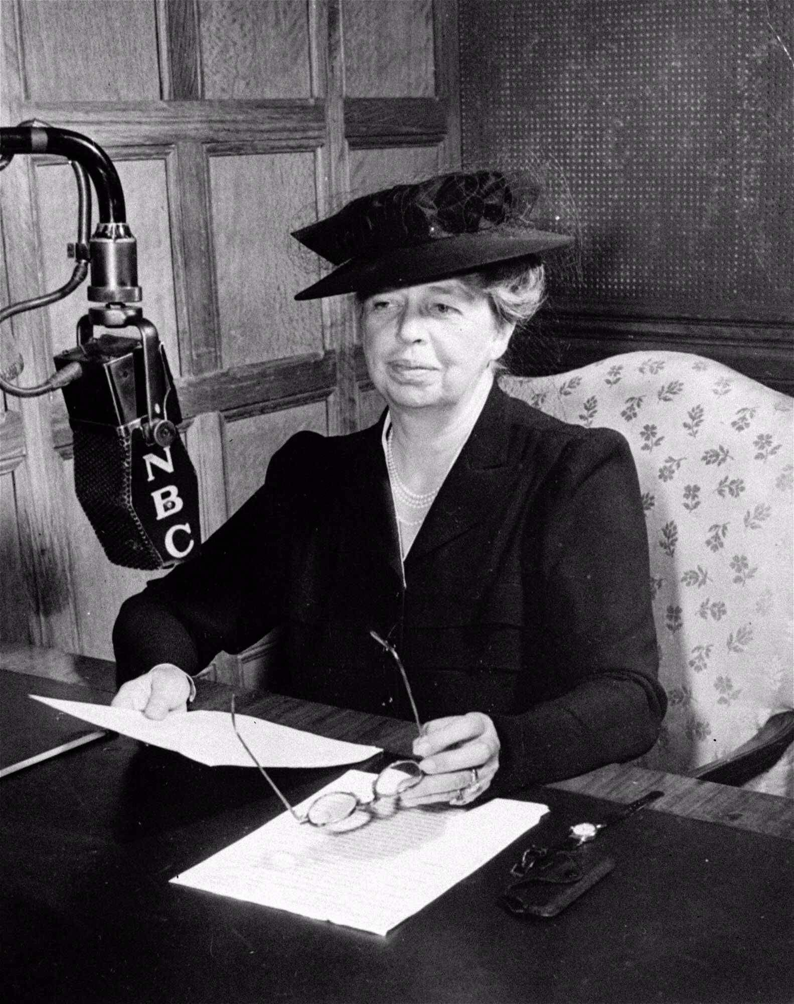 """Prominent women in history. Anna Eleanor Roosevelt (October 11, 1884 – November 7, 1962). She was an American politician and the longest-serving First Lady of the United States, holding the post from March 1933 to April 1945 during her husband President Franklin D. Roosevelt's four terms in office. President Harry S. Truman later called her the """"First Lady of the World"""" in tribute to her human rights achievements."""