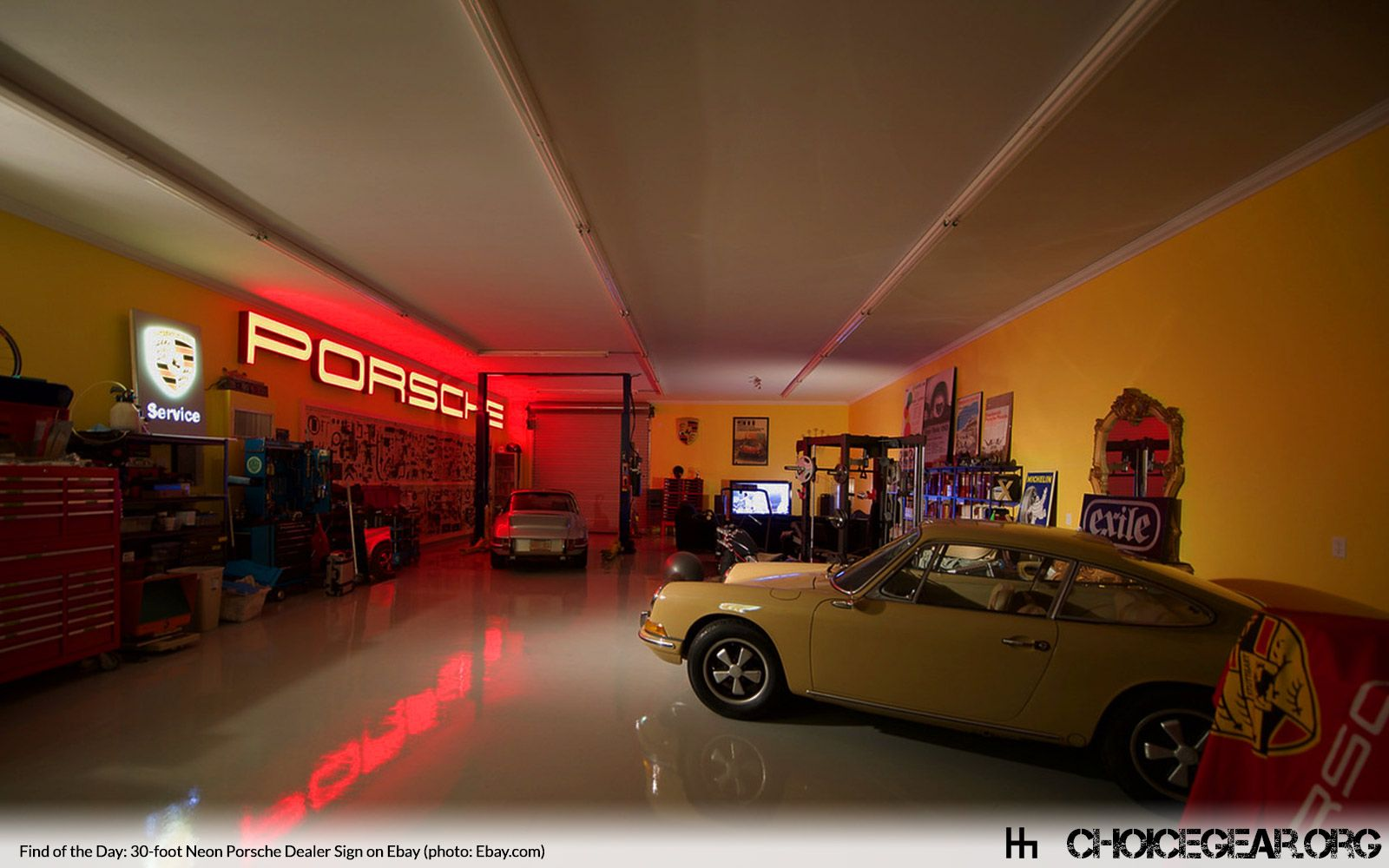 If You 39 Re A Porsche Enthusiast Who Fancies Himself X2f Herself As Having The Ultimate Garage And X2f Or Man Garage Design Ultimate Garage Garage Pictures