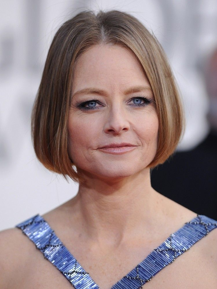 Jodie Fosters Short Hairstyle Short Hairstyle Angled Bob