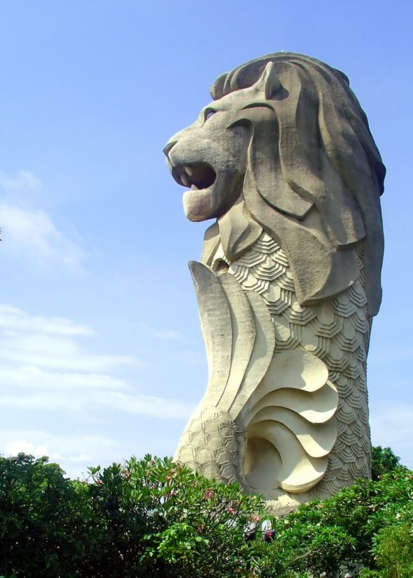 In The Vibrant Chinese City Of Singapore You Will Find A Mythical Being Set Along River Its Not Mermaid Nor Liger Merlion