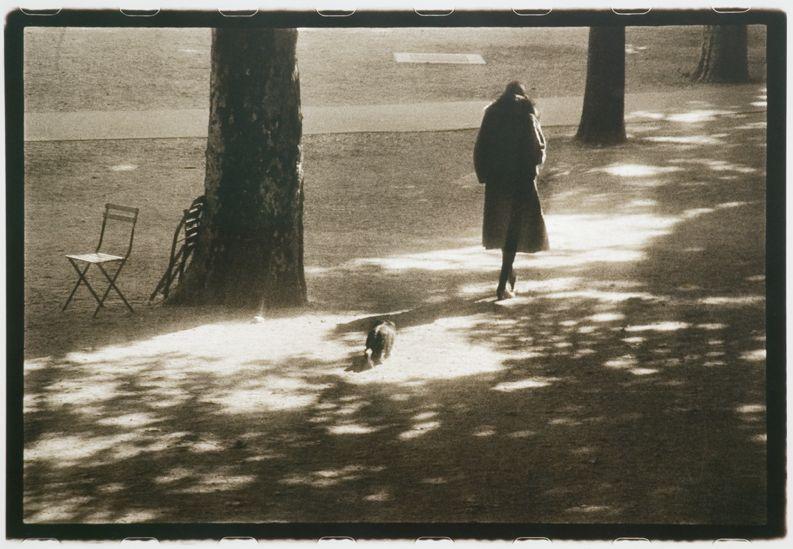 Sarah Moon, Suzanne aux Tuileries, 1974