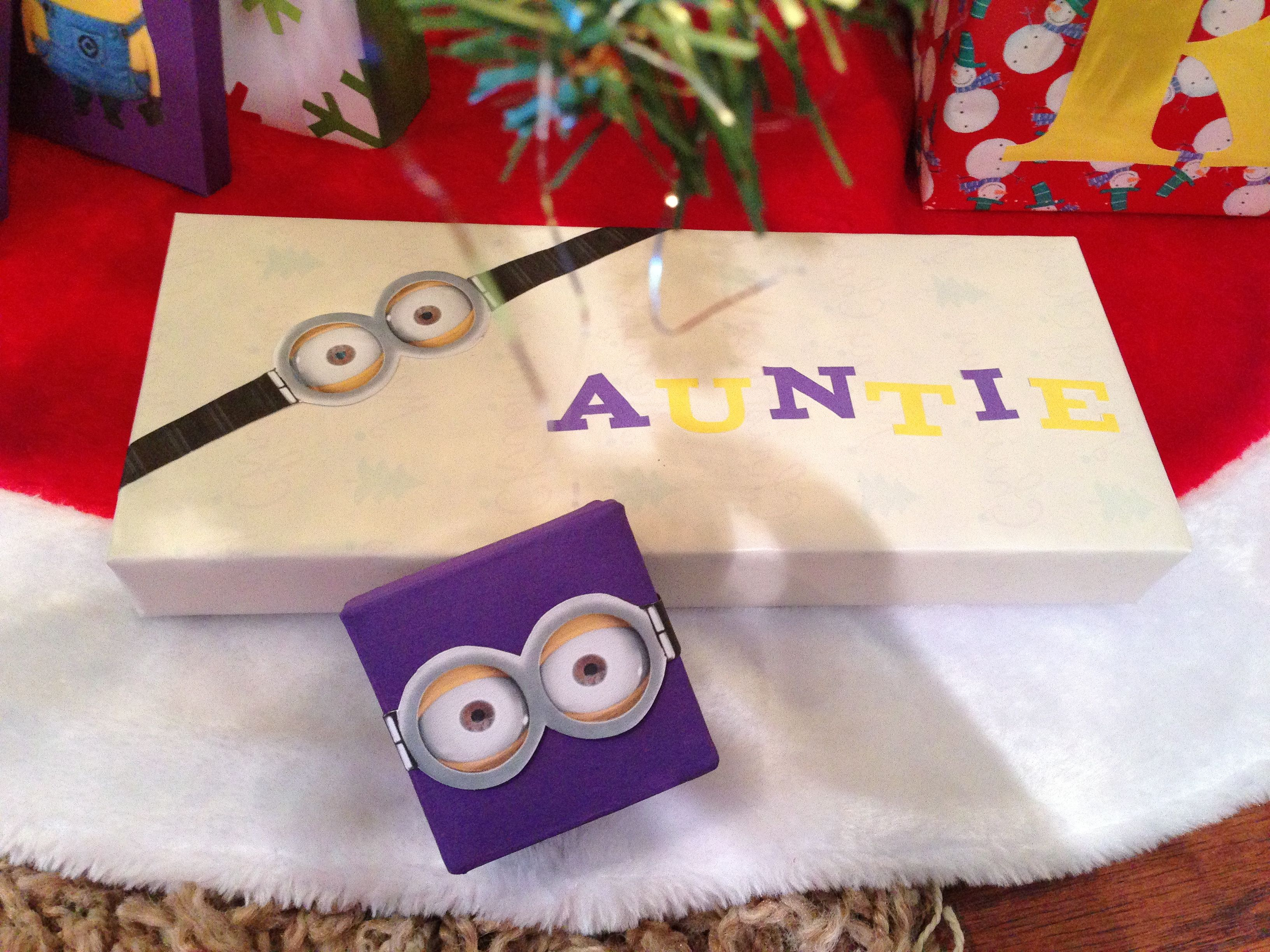 Minion gift wrap and gift box & Minion gift wrap and gift box | Christmas | Pinterest | Christmas ...