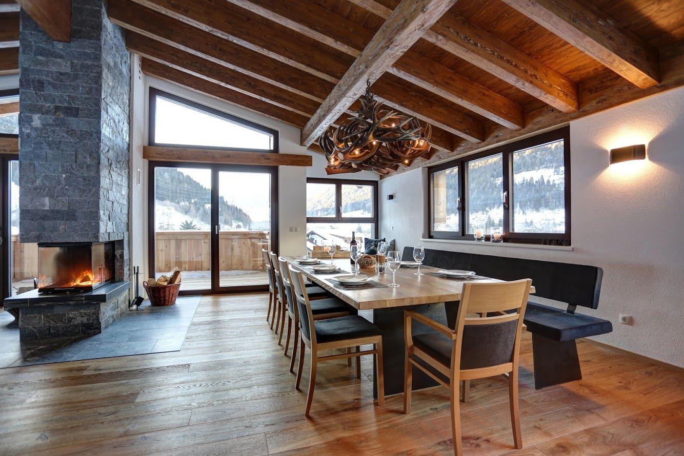 Erstaunlich Geweihlampe In Einem Chalet In Arlberg / Österreich Gefertigt Von Der  österreichischen Manufaktur OH MY DEER