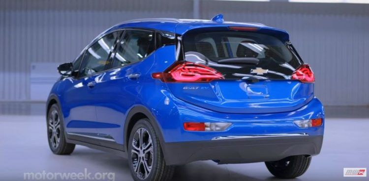 Chevrolet Bolt Wins Canadian Green Car Of The Year Award With Images Car Green Car