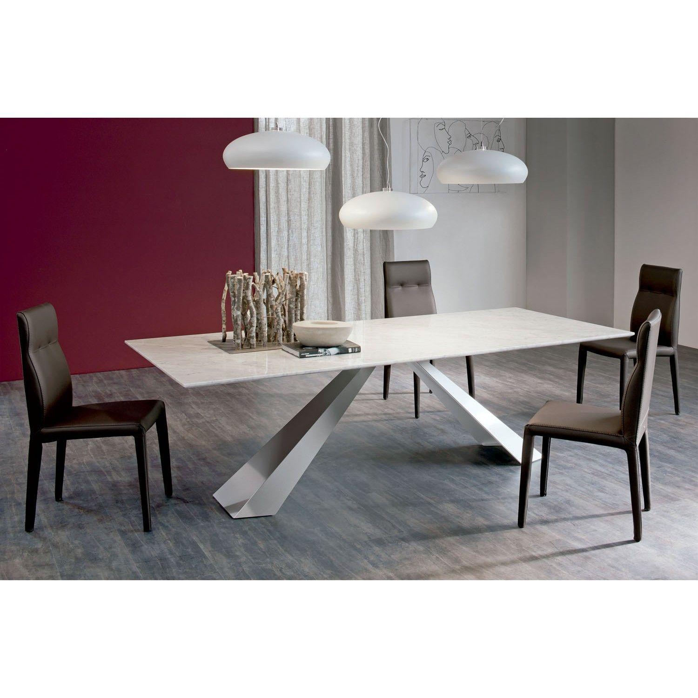 Mesa de dise o eliot proyectos que intentar mesas de for Mesa de comedor elegante lamentable