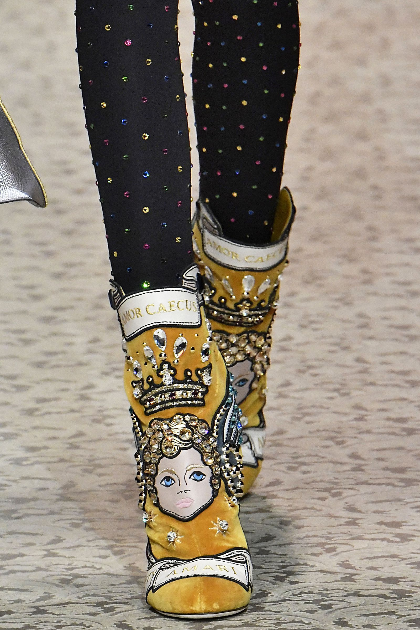 size 40 f5a97 00565 Dolce   Gabbana Chaussures Femme, Belle Chaussure, Bottines, Haute Couture,  Mode Cool