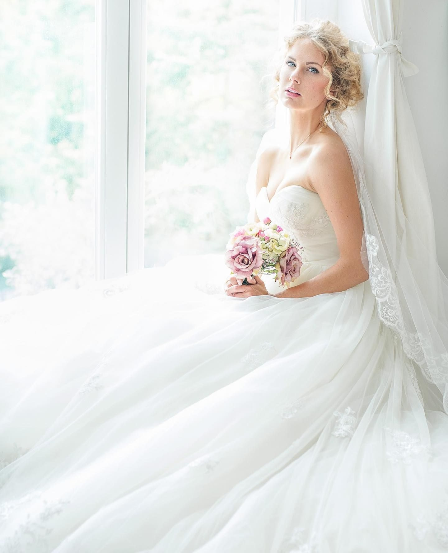 Sannas Brautkleid Vorgestern Hatte Sanna In Unserer Story Noch Einmal Ein Hochzeitskleid Angezogen Viele Von Euch Braut Hochzeitskleid Brautkleid